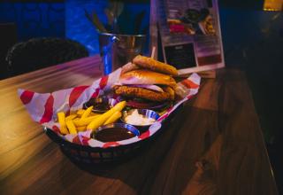 Burger thumb