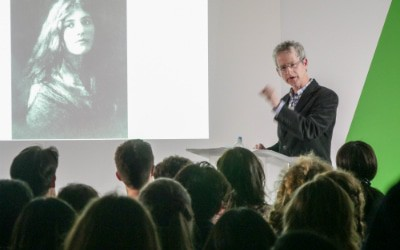 Image of a lecture happening in the Student Union building