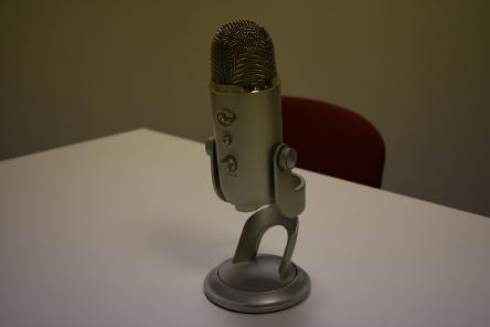 Podcast mic 444 x 296