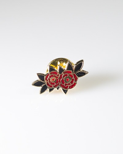 Button rose pin