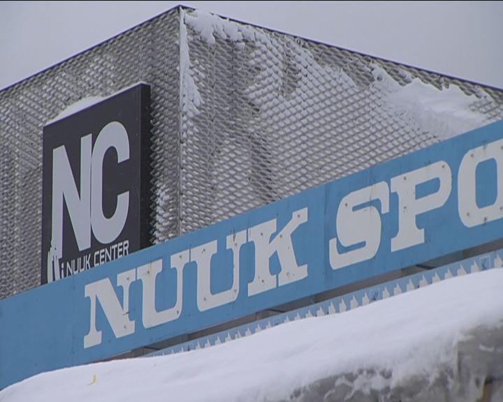 Nuuk Sport bliver revet ned