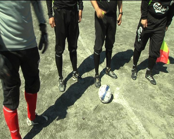 Trængsel på fodboldbanerne
