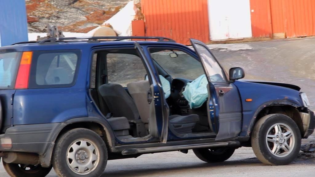 Ung pige kørte galt uden kørekort