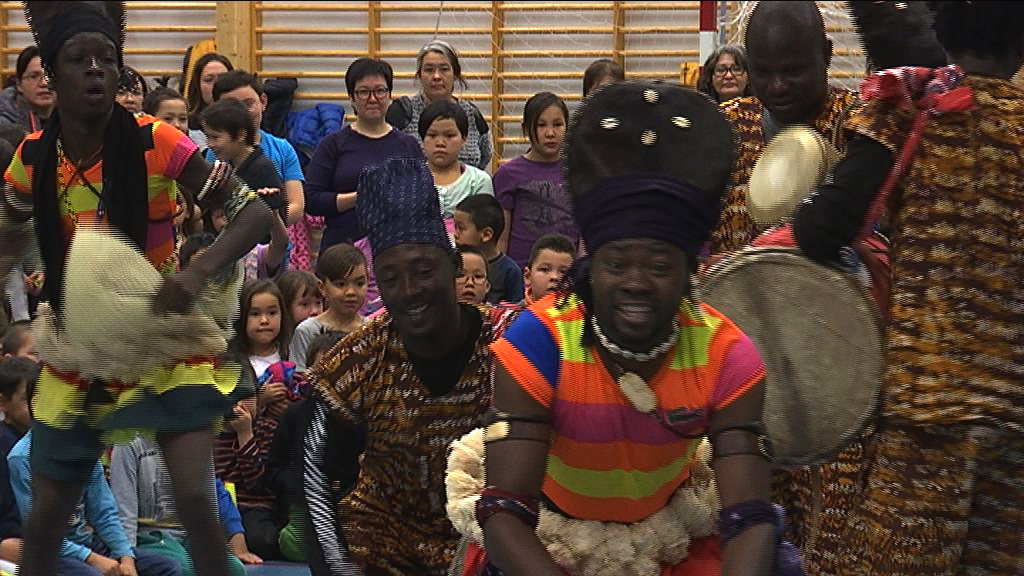 Børn og Afrikansk trommedans