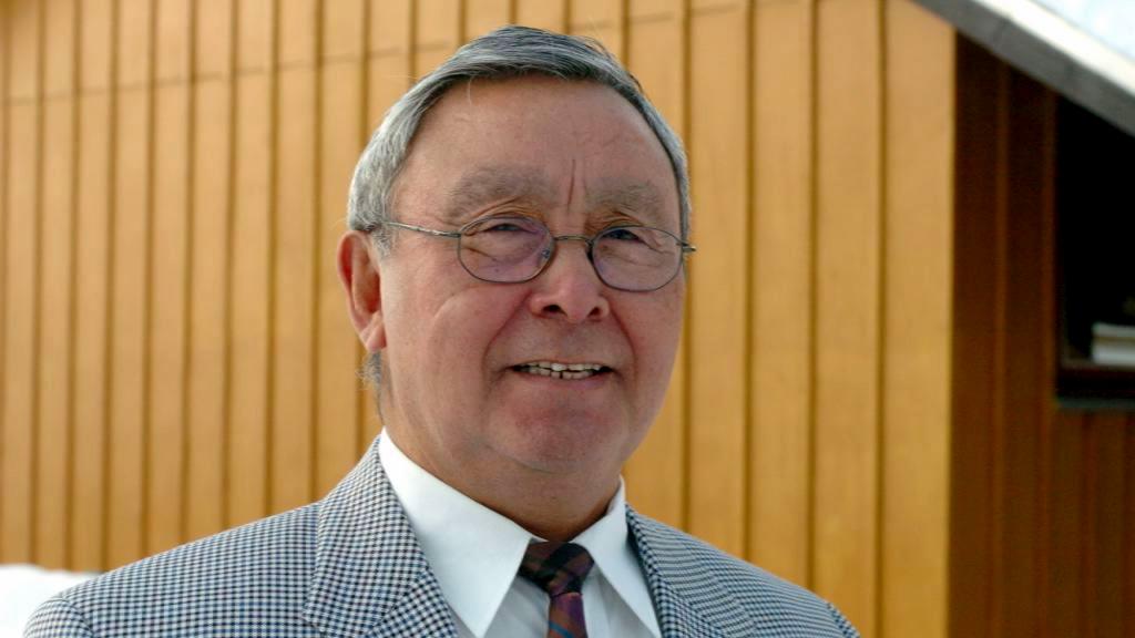 Otto Steenholdt er død
