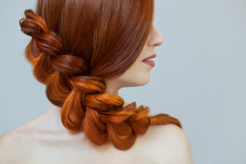 Come arricciare i capelli con le trecce