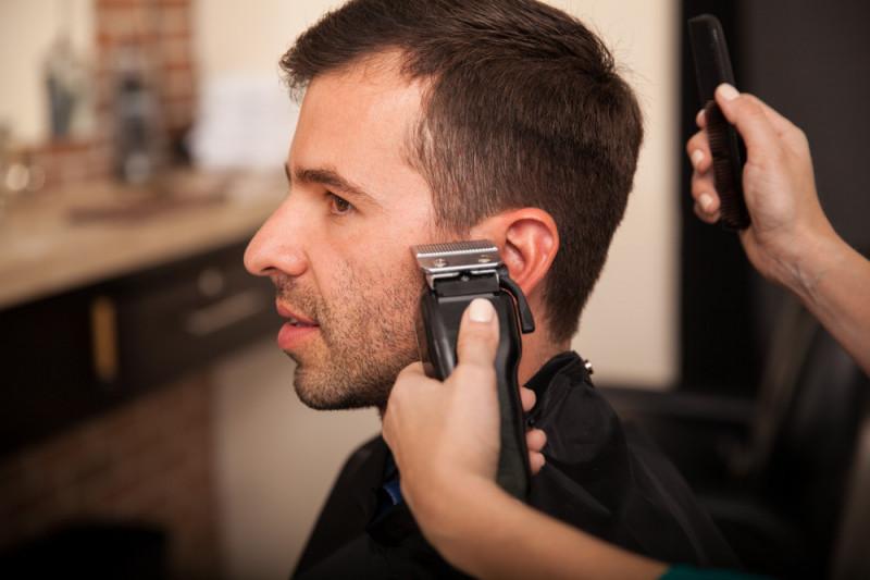 Barba uomo: errori da evitare nel taglio delle basette