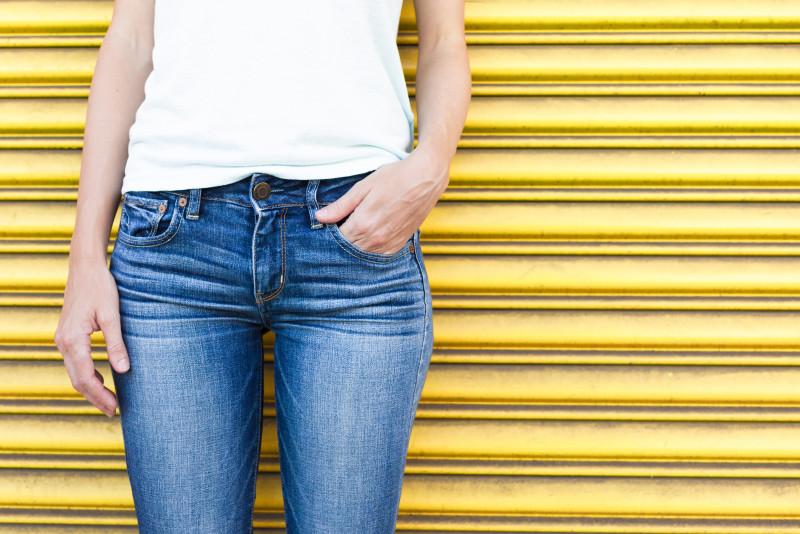 Come stringere le gambe dei jeans