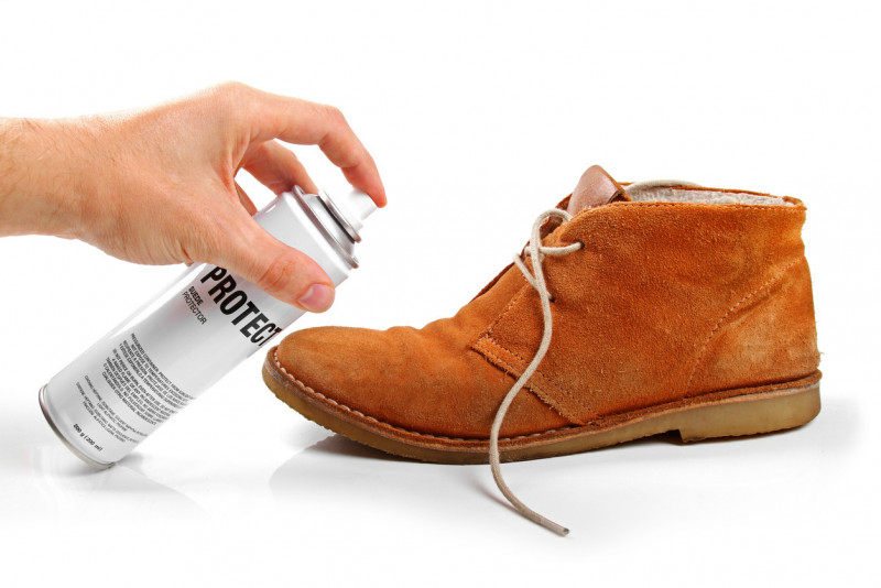 Come pulire le scarpe in camoscio