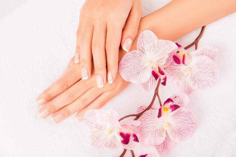 Come sbiancare le unghie ingiallite