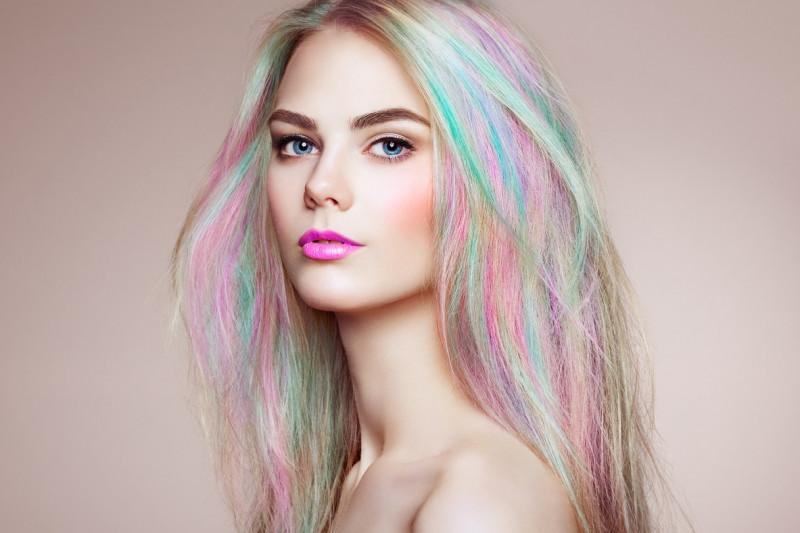 Come curare i capelli decolorati