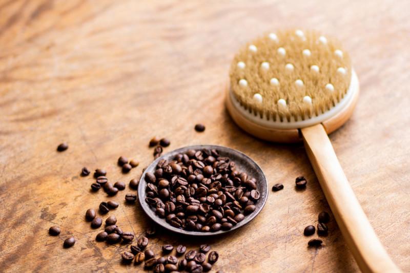 Come realizzare un impacco anticellulite al caffè