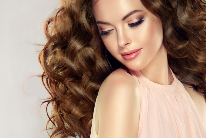 5 consigli per avere capelli voluminosi