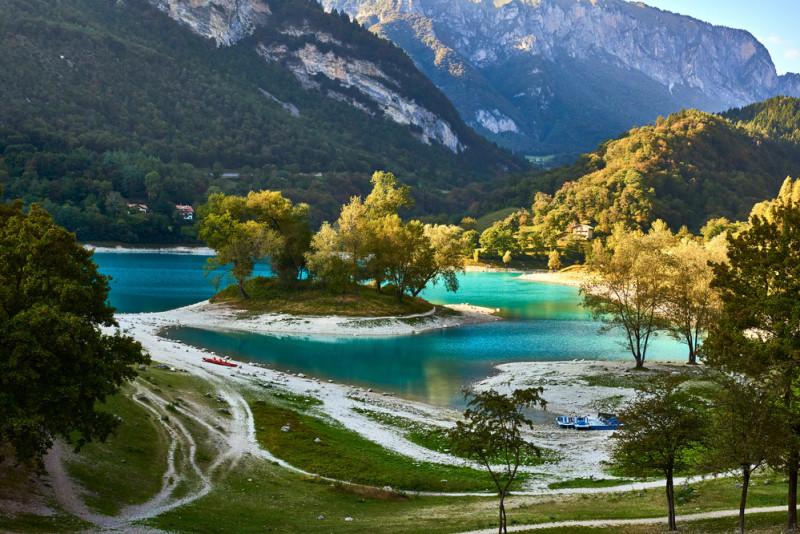 Come visitare al meglio il Lago di Tenno ed i dintorni