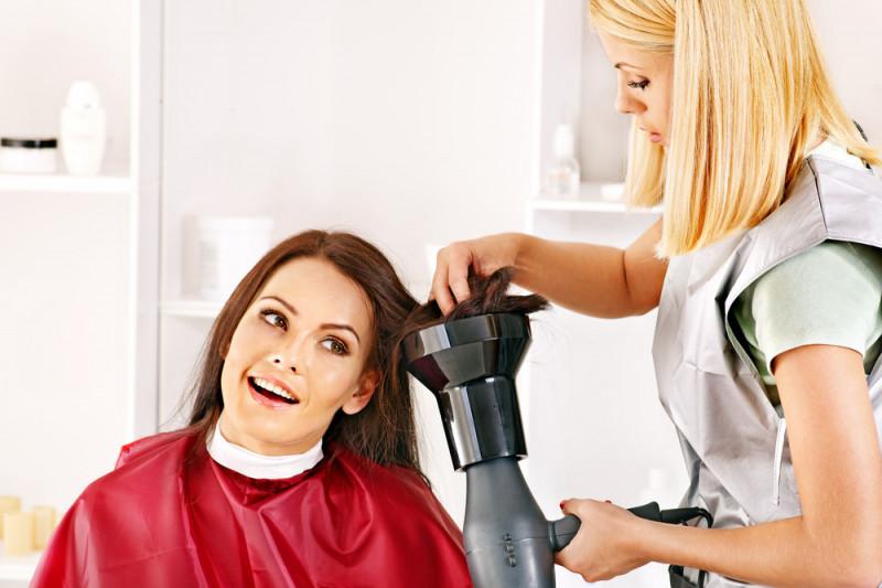 Come usare il diffusore per capelli lisci