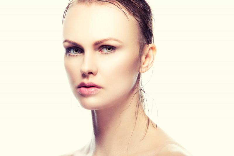 Come schiarire i peli del viso in modo naturale