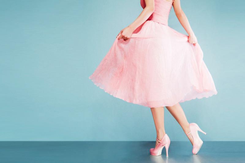 Come impreziosire un abito rosa cipria