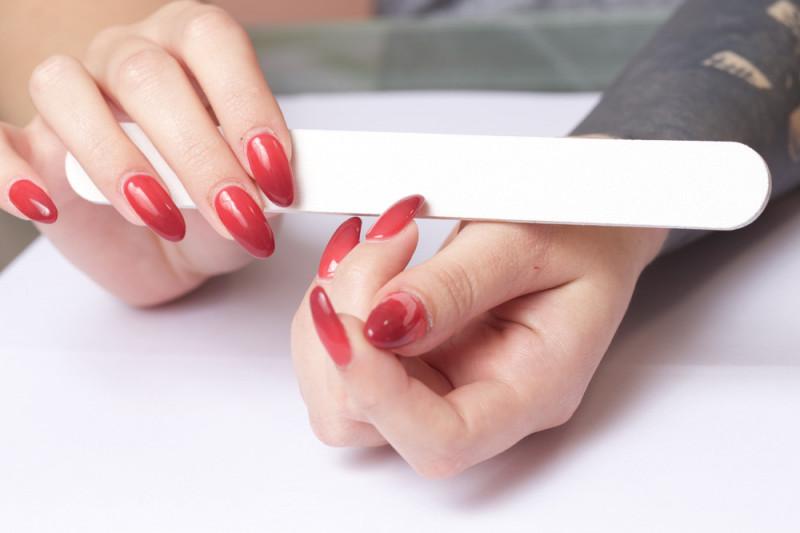 Come  fare la ricostruzione delle unghie in casa
