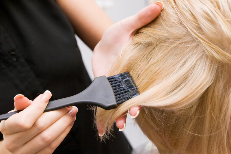 Come diventare bionda senza rovinare i capelli