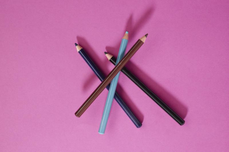 Come scegliere il colore della matita per sopracciglia