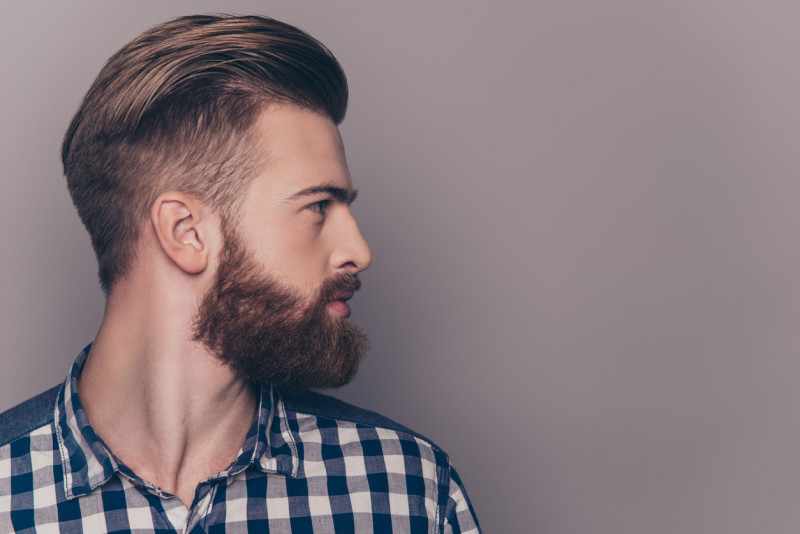 Trucchi per pettinare i capelli uomo