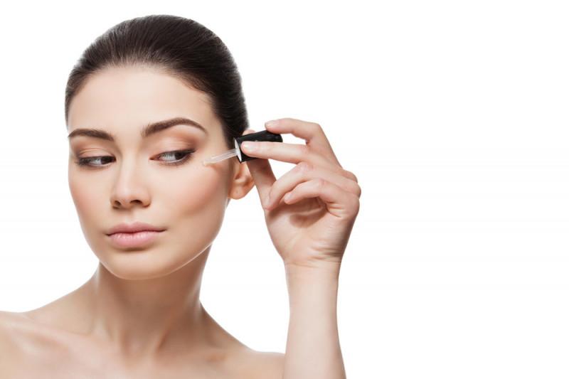Come utilizzare e applicare il siero per il viso
