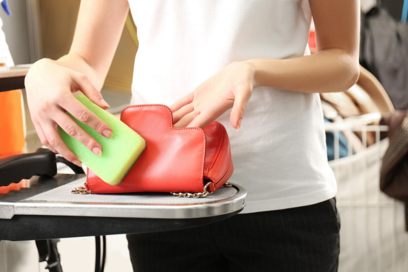 Come togliere il cattivo odore dalle borse