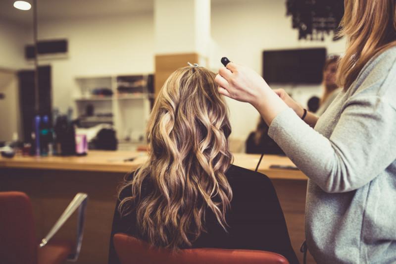 Come scaricare la tinta dei capelli