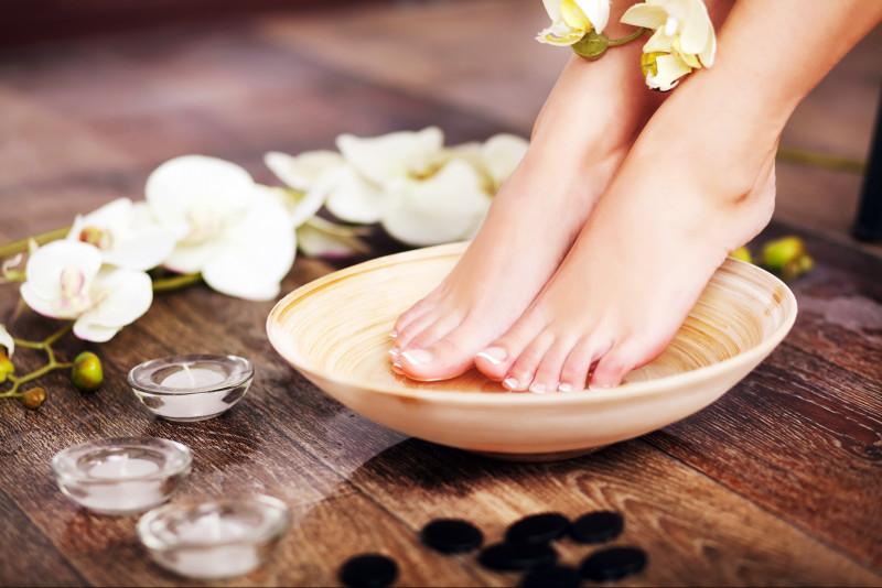 Come liberarsi della pelle secca dei piedi
