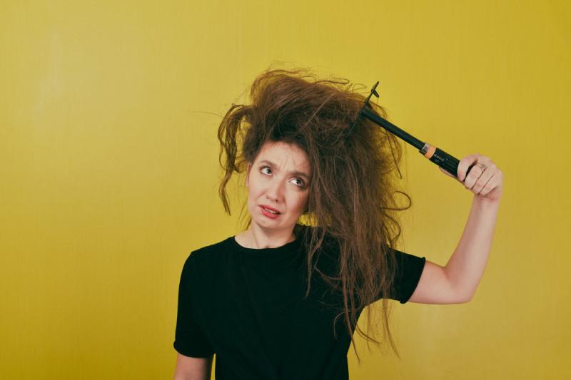Come evitare che si creino nodi sui capelli lunghi