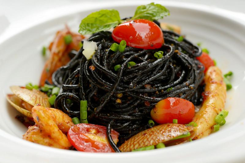 Come condire gli spaghetti al nero di seppia