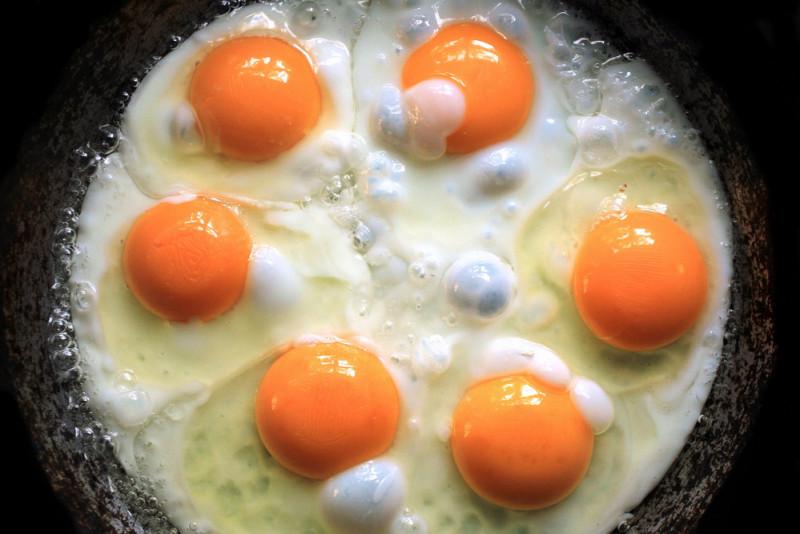 Come fare un uovo fritto al microonde