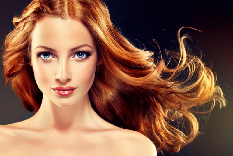 Come rimuovere la tinta dai capelli