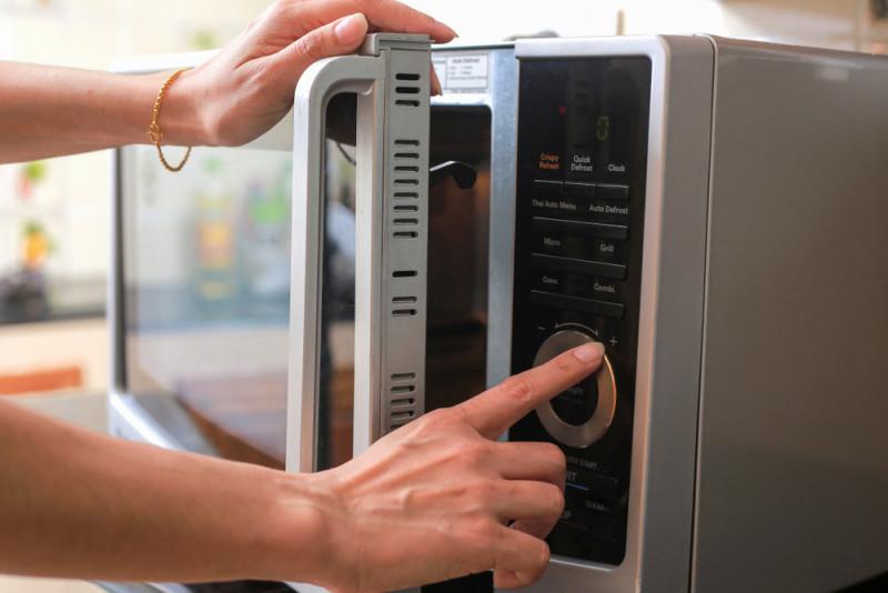 Come scongelare al microonde