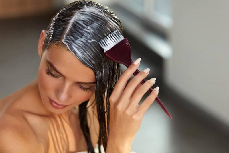 Come fare una maschera per capelli secchi e rovinati