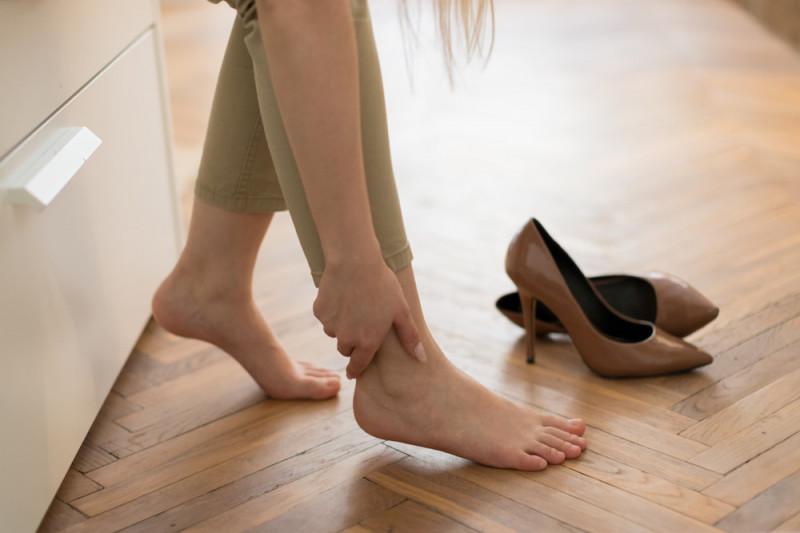 Come mascherare le caviglie grosse