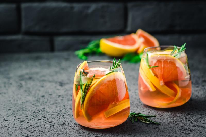 Come preparare dei cocktail analcolici alla frutta