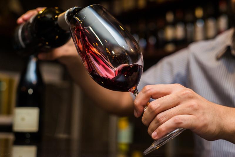 Come servire e accompagnare il vino passito