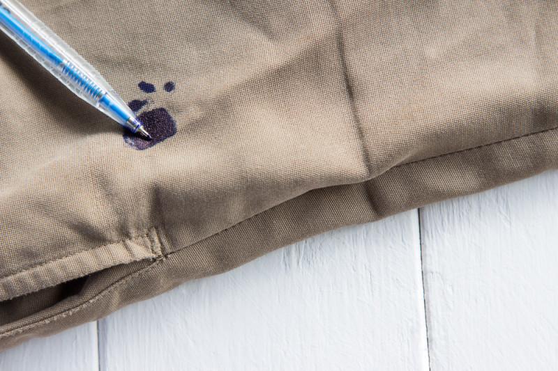 Come togliere le macchie di pennarello e penna biro