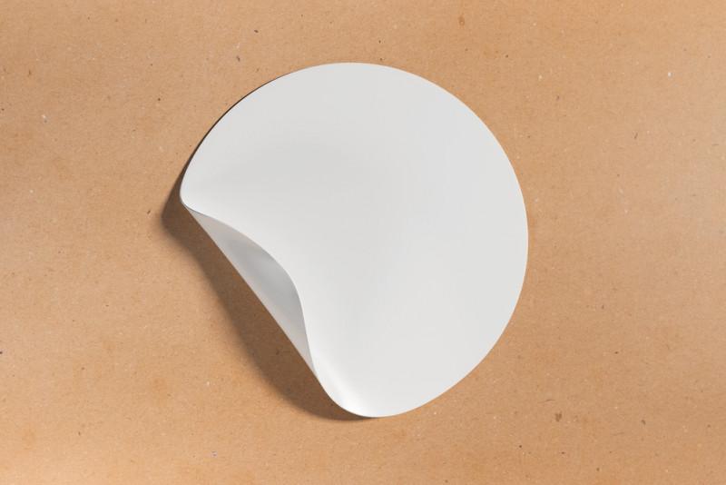 Come togliere residui di colla dopo aver rimosso un adesivo