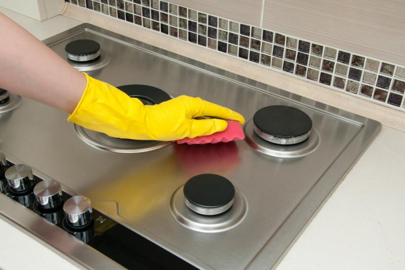 Come pulire i fornelli della cucina