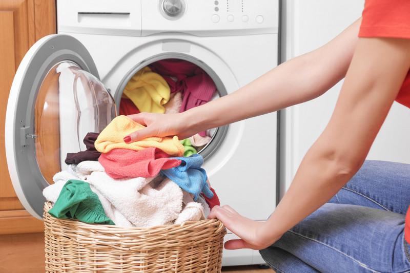 Come utilizzare l'aceto per il lavaggio in lavatrice