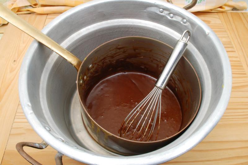 Come sciogliere a bagnomaria il cioccolato