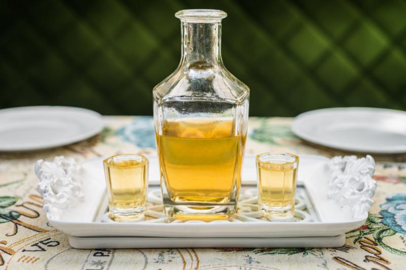 Come preparare la grappa al miele