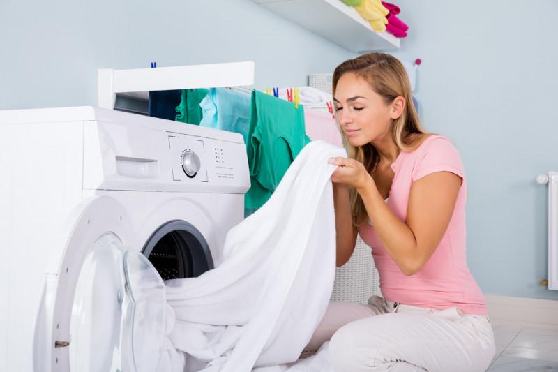 Come eliminare i pidocchi da vestiti e lenzuola