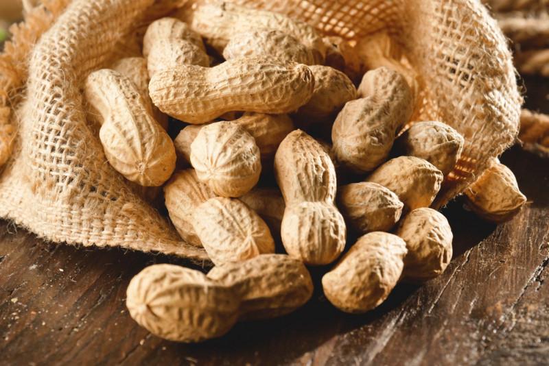 Come tostare le arachidi a casa