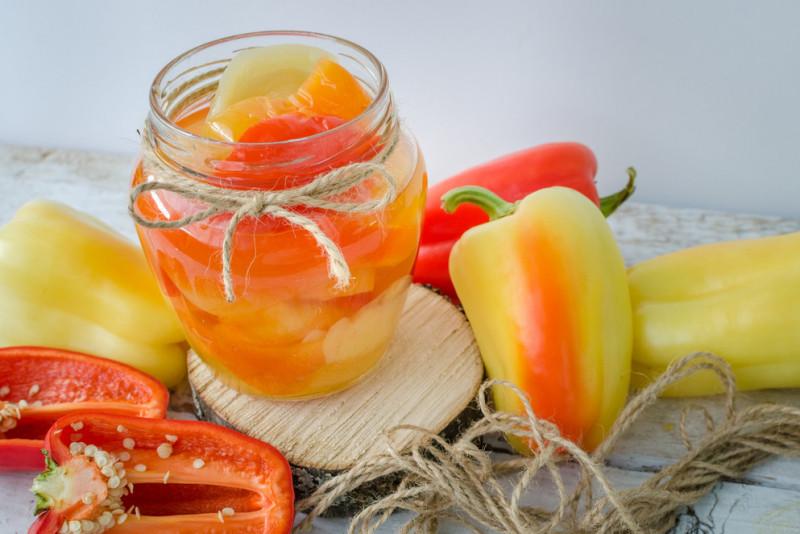 Come conservare i peperoni sott'aceto