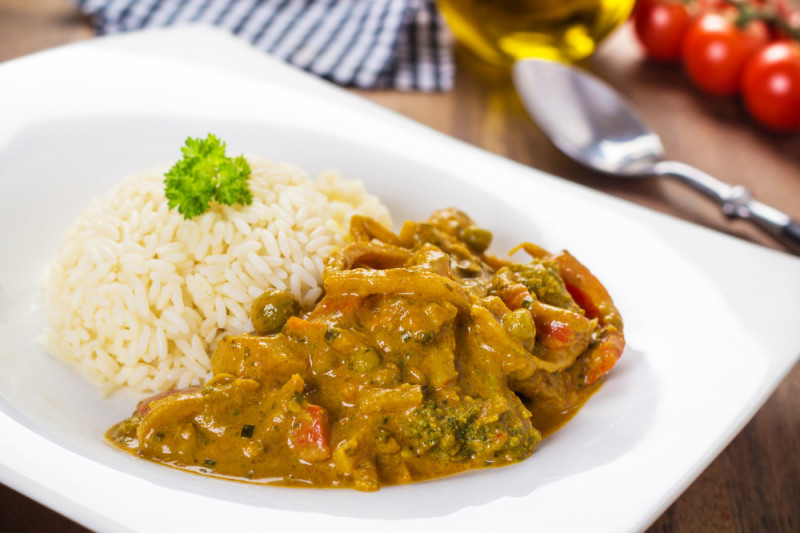 Come preparare il riso al curry con verdure