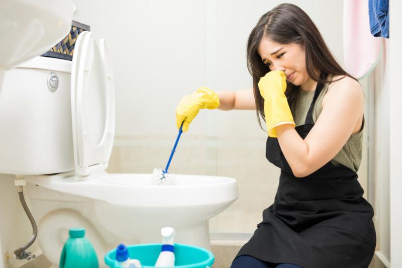 Come eliminare il cattivo odore dal water