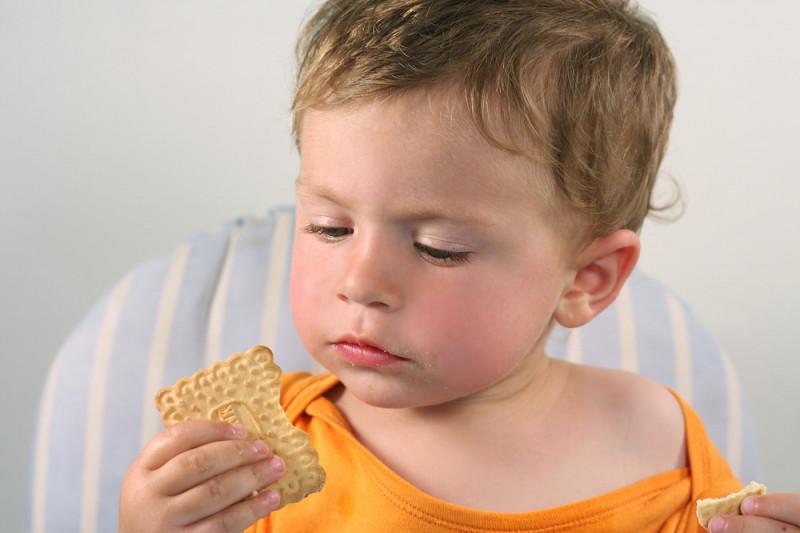 Come preparare biscotti leggeri per bimbi piccoli